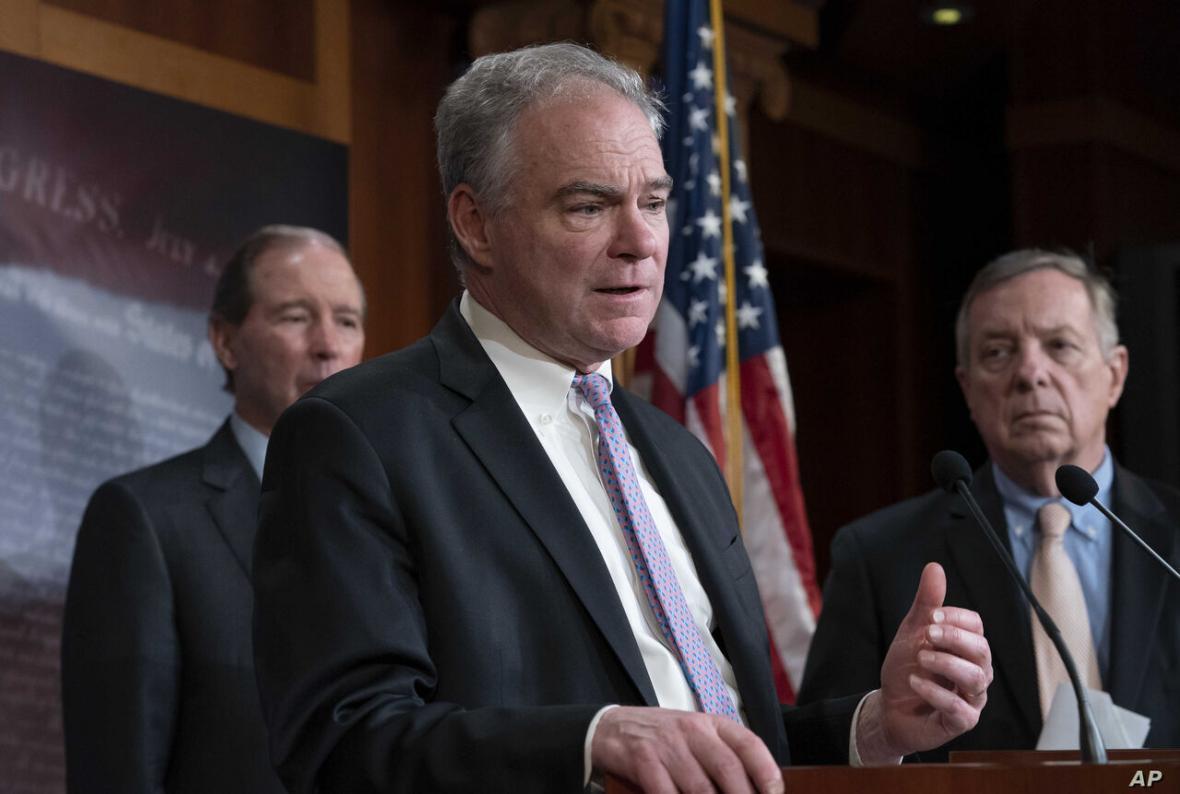 انتقاد سناتور آمریکایی از کمبود امکانات پزشکی در بیمارستان ها