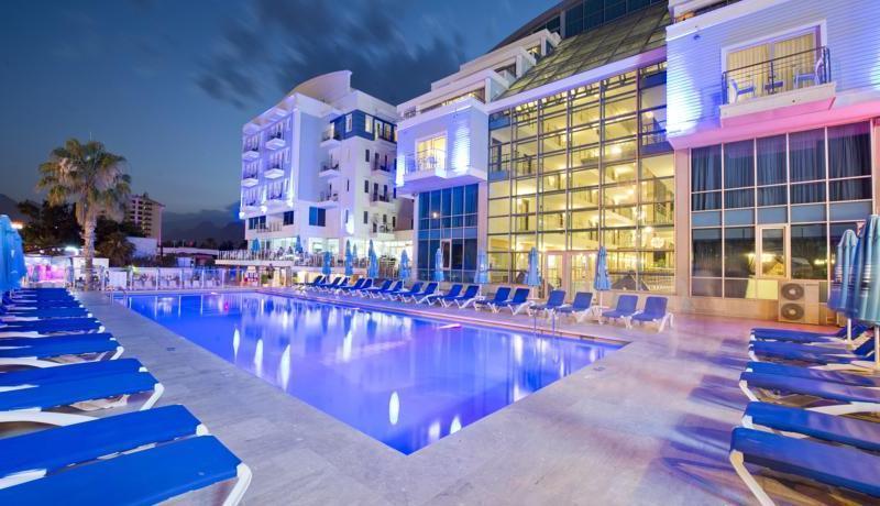 بهترین هتل های آنتالیا؛ از دلفین ایمپریال لارا تا پورتو بلو