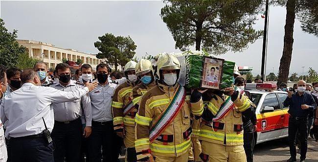 خبرنگاران مراسم تشییع و تدفین شهید آتش نشان برگزار گشت