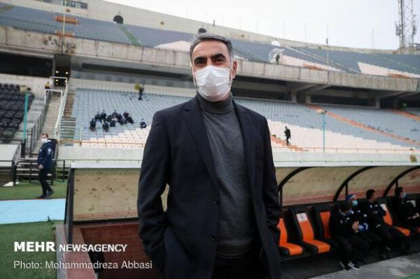 حمایت باشگاه استقلال از فکری، کادر فنی آبیها تغییر نمیکند