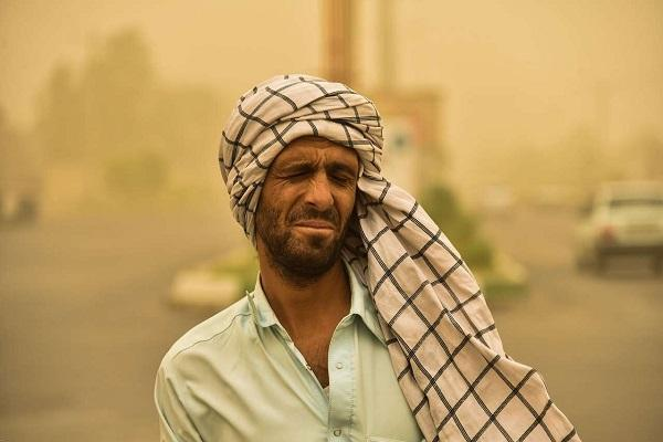 مراجعه 130 نفر به مراکز درمانی بر اثر گرد و خاک در سیستان وبلوچستان
